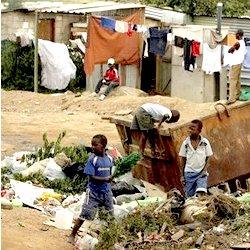 1254167359-pauvrete_afrique_du_sud.jpg